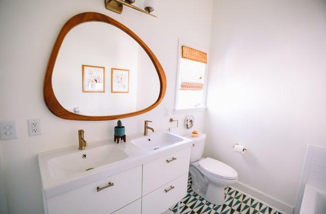 como reparar pequeños problemas en el cuarto de baño