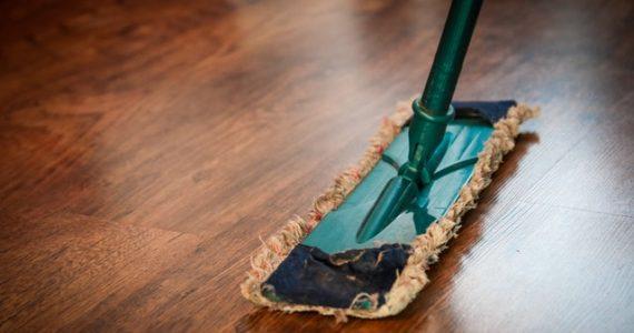 consejos para limpiar los suelos de vinilo de su hogar