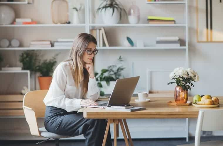 como organizar su oficina en casa