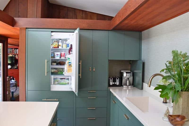 refrigerador en mueble de cocina (1)